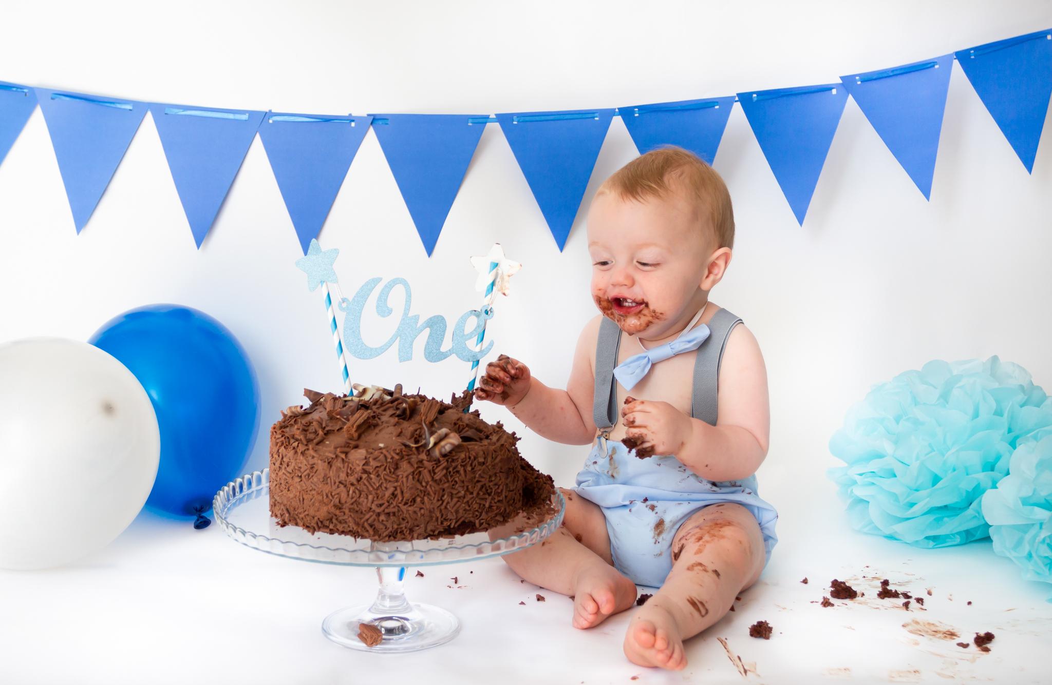 cake-smash-photographer-northamptonshire
